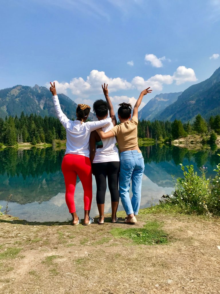 three young women viewing natures splendor in the North Cascades